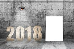 2018个与灯的数字木材料在具体屋子里 免版税库存照片