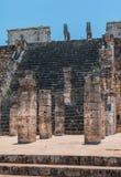 1000个专栏的小组在奇琴伊察,尤加坦,墨西哥的 免版税库存图片