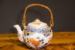 19个世纪工厂瓷俄国茶壶Th 图库摄影