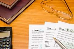 1040个个体回归报税表2016年 免版税库存图片