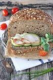整个五谷面包 免版税库存照片