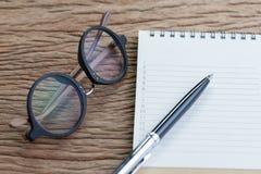 个人做名单或事工作、任务单和优先权的 免版税库存照片