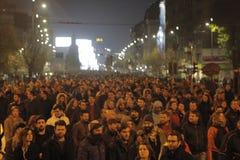25000个人抗议在布加勒斯特请求正义 免版税库存照片