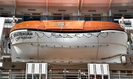 150个人的救生艇 库存图片