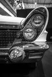 个人豪华汽车林肯大陆标记v敞篷车的片段, 1960年 免版税库存照片