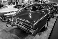 个人豪华汽车Buick里维埃拉, 1972年 免版税库存照片