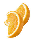 2个在白色背景隔绝的橙色四分之一切片垂直 免版税库存照片