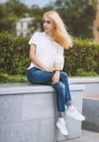 15个妇女年轻人 颜色定了调子图象 免版税库存照片