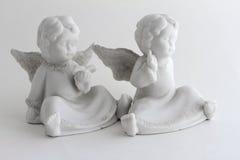 2个小的天使 免版税库存图片