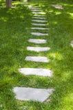 2个庭院路径 免版税库存照片