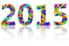 2015个数字组成由在光滑的白色的五颜六色的电灯泡 免版税库存图片