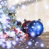 2018个新年,圣诞节 圣诞节装饰生态学木 免版税库存照片