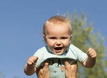11个月的婴孩的室外画象大 库存照片