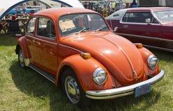 1971个桔子VW甲虫 库存照片