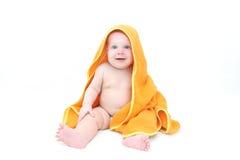 7个毛巾的月逗人喜爱的女婴在浴以后 库存图片