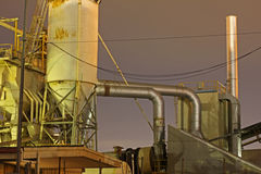 1个烟囱工厂 免版税库存照片