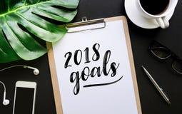 2018个目标在便条和辅助部件的文本文字 免版税库存图片
