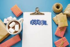 2018个目标热的可可粉用蛋白软糖,礼物,包装纸, sc 库存图片