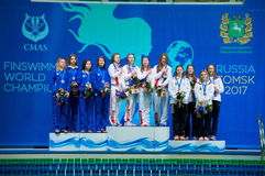31 07 2017年- 07 08 2017个第15个Finswimming世界小辈冠军|托木斯克 库存照片