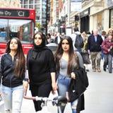 3个美丽的回教夫人在伦敦 库存照片