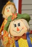 3个背景男孩逗人喜爱的万圣节帽子查出老稻草人非常空白巫婆岁月 免版税库存图片