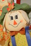 3个背景男孩逗人喜爱的万圣节帽子查出老稻草人非常空白巫婆岁月 免版税库存照片