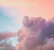 1个背景覆盖多云天空 免版税库存照片