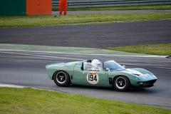 1965个蒙扎电路的罕见的福特GT40跑车 库存图片
