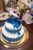 8个饼婚礼 甜蛋糕蓝色和白色 图库摄影