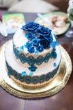 8个饼婚礼 甜蛋糕蓝色和白色 免版税库存照片