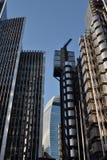 42个aviva城市嫩黄瓜劳埃德伦敦s摩天大楼耸立 免版税库存照片