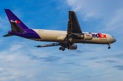 31个DEC 2016航空器联邦快递公司着陆在吉隆坡 库存照片