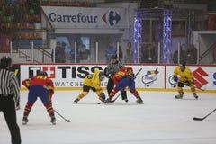 2017个IIHF冰球世界冠军-罗马尼亚对西班牙 库存照片