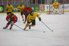 2017个IIHF冰球世界冠军-罗马尼亚对西班牙 库存图片