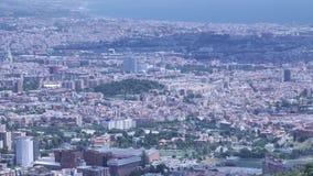 4个K巴塞罗那邻里空中城市视图,镇的不同的区清楚的晴天 影视素材