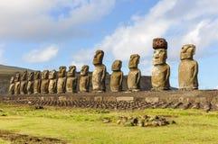 15个moai雕象在Ahu Tongariki,复活节岛,智利 免版税库存图片