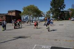 2015个NYC单轮脚踏车节日7 库存图片