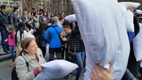 2016个NYC枕头战日期部分2 58 图库摄影