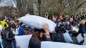 2016个NYC枕头战日期部分2 70 图库摄影