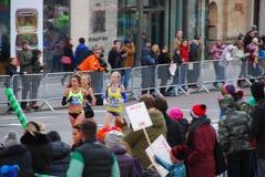 2014个NYC马拉松妇女特写镜头 免版税库存照片