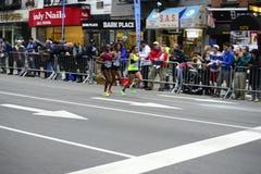 2017个NYC马拉松-妇女 免版税库存图片