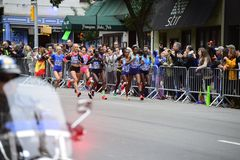 2017个NYC马拉松-精华妇女 免版税库存图片