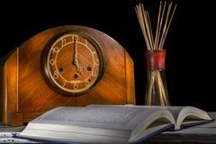 5个o `时钟研究时间 免版税库存照片
