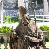 18个St Stanislaus, Skalka的,克拉科夫,波兰教会主教世纪巴洛克式的雕象  免版税库存照片