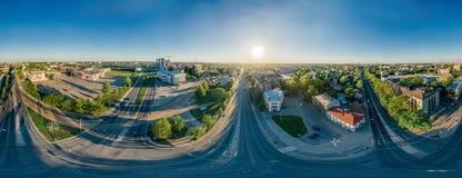360个VR寄生虫r里加城市房子和公寓单元,虚拟现实的,街道全景夏天图片 免版税库存照片