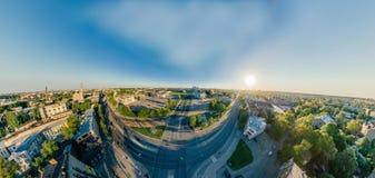 360个VR寄生虫r里加城市房子和公寓单元,虚拟现实的,街道全景夏天图片 免版税图库摄影