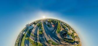 360个VR寄生虫r里加城市房子和公寓单元,虚拟现实的,街道全景夏天图片 库存照片