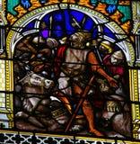 中世纪争斗-彩色玻璃在鲁昂大教堂里 免版税库存图片