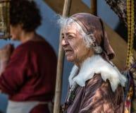中世纪北欧海盗妇女 免版税库存照片