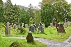 中世纪县坟园, Glendalough,县威克洛,爱尔兰 免版税库存图片